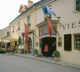 Гостиница Реле и Шато Отель Стикляи