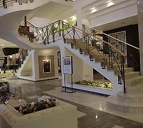 Peak Hotel