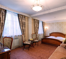 Hotel Zvezda