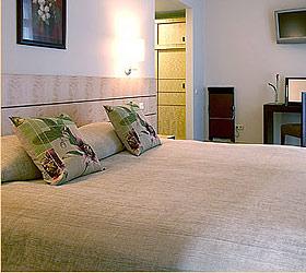 Гостиница Роял Сквер Отель и Сьютс