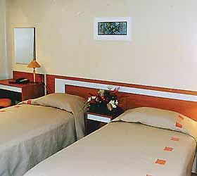 Гостиница Ревал Отель Нерис