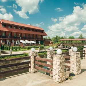 Гостиница Медвежьи Озера Парк Отель (б. Медвежьи Озера Загородный Клуб)