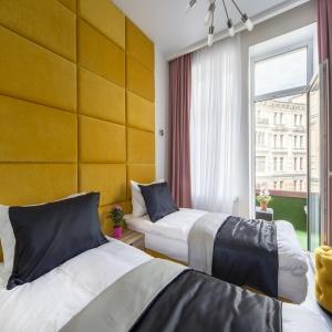 Viva La Hotel by Academia (f. Viva La Hotel)