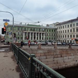 3 Gnoma Hotel