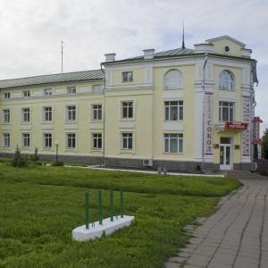 Гостиница Сокол