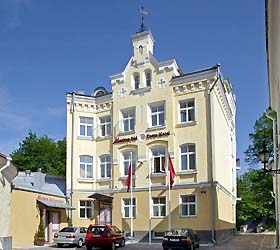 Hotel Meriton Old Town