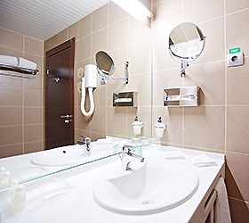 Hotel Holiday Inn Chelyabinsk-Riverside