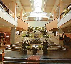 Hotel Le Grande Plaza