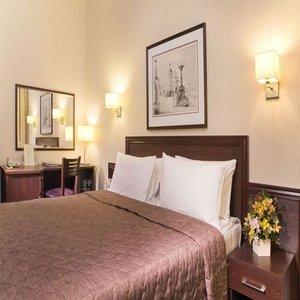 Hotel Aerostar