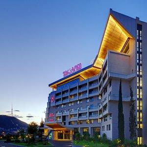 Гостиница Шератон Гранд Тбилиси Метехи Палас