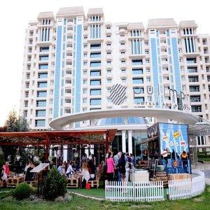 Гостиница Пуллман Баку (б. Бадамдар)
